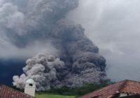 Suspenden vuelos  a Guatemala por erupción de volcán