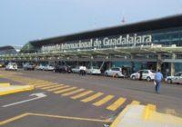 Plaga de mosquitos en aeropuerto mexicano