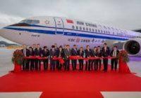 Boeing entrega el primer MAX -8 completado en China